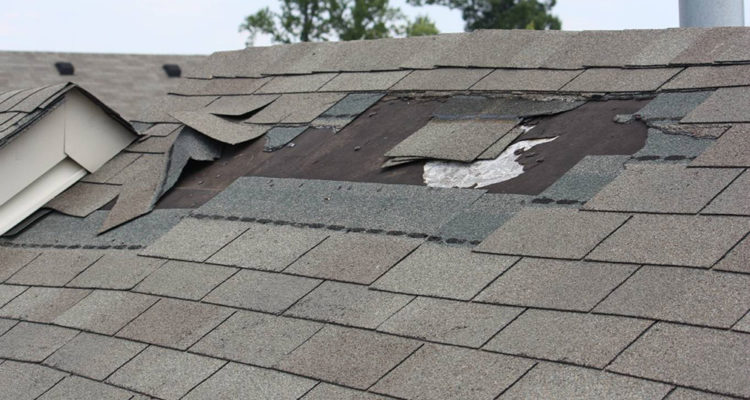How To Locate A Roof Leak ?